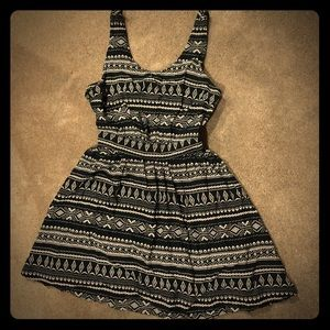 Black & White Tribal Print Sleeveless Dress